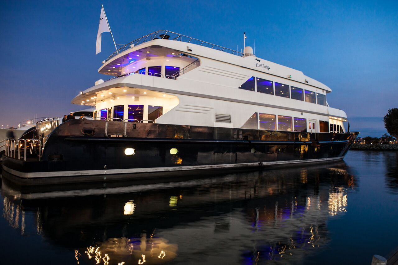 New Year S Eve Dinner Cruise Flagship Cruises Amp Events