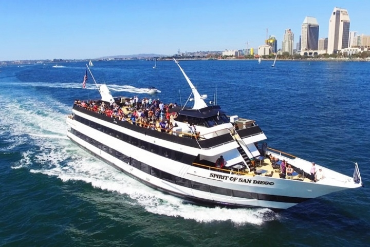 The most thrilling high-speed tour on the San Diego Bay!